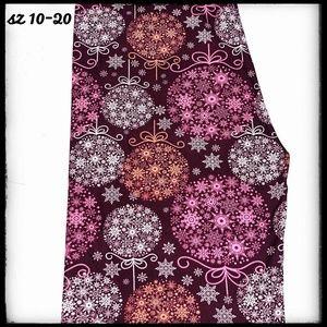 Pants - SALE!!! TC Holiday Leggings!! Snowflakes!!